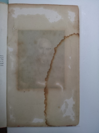Recto of page before washing, after humidification.